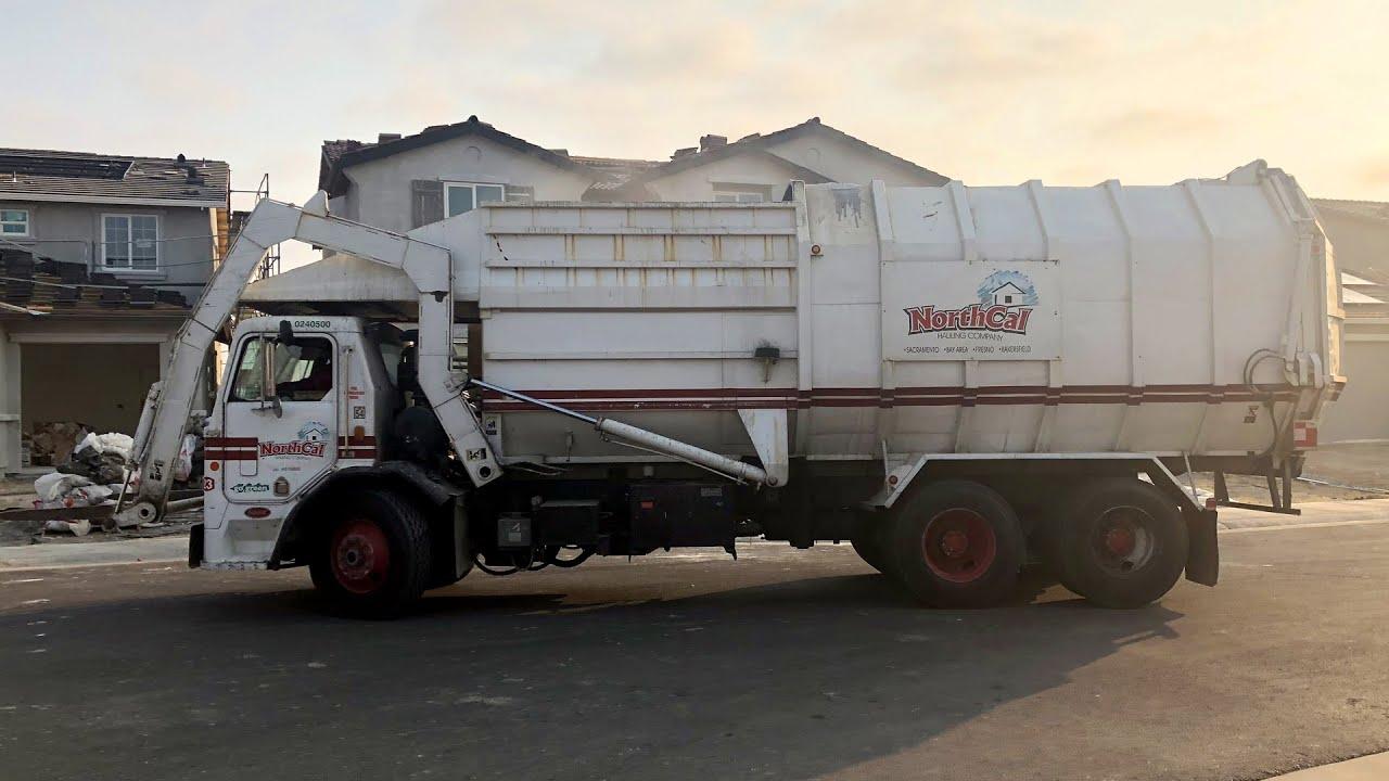 Peterbilt 310 Amrep FL: A Classic Garbage Truck