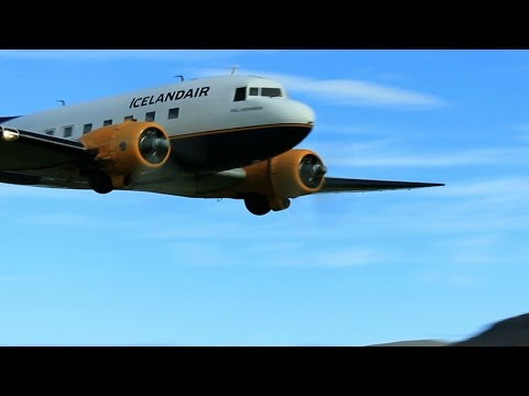 Vintage DC-3 Lowpass at Airshow