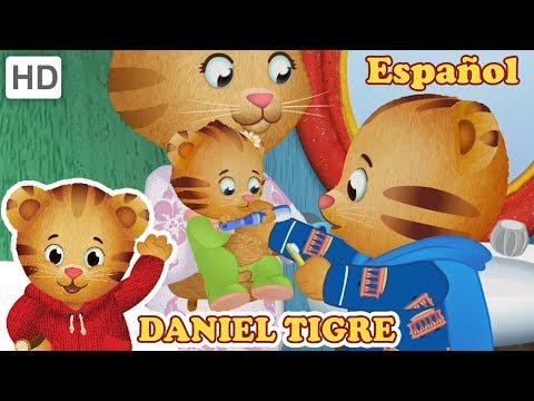 Daniel Tigre en Español - Comer y Cepillarse los Dientes con su Hermana | Videos para Niños