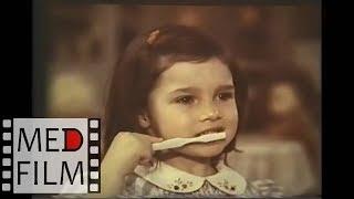 Как чистить зубы (обучение в СССР - детсадам, школам) ©