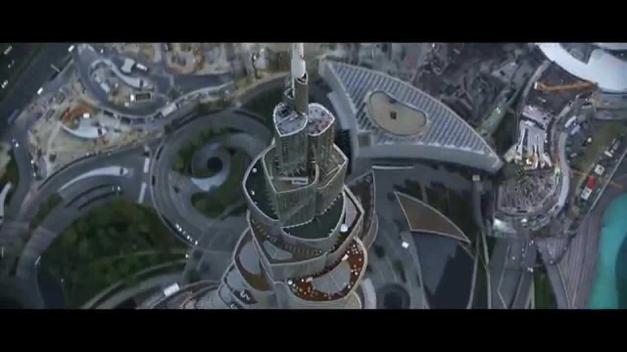 Guys With Jetpacks Fly Over Dubai YouTube - Crazy video of two guys flying jetpacks over dubai