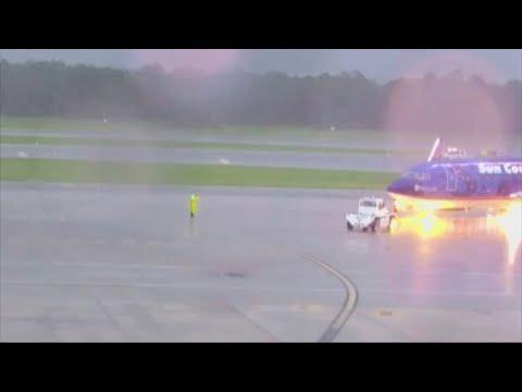 Lightning strikes plane wing and electrocutes man