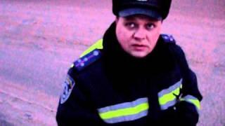 ГАИ. Нежин.(Ехал в центр Нежина на ул. Гоголя для выгрузки... Тут инспектор начал выдумывать разные знаки, запрещающие..., 2011-02-25T08:51:05.000Z)