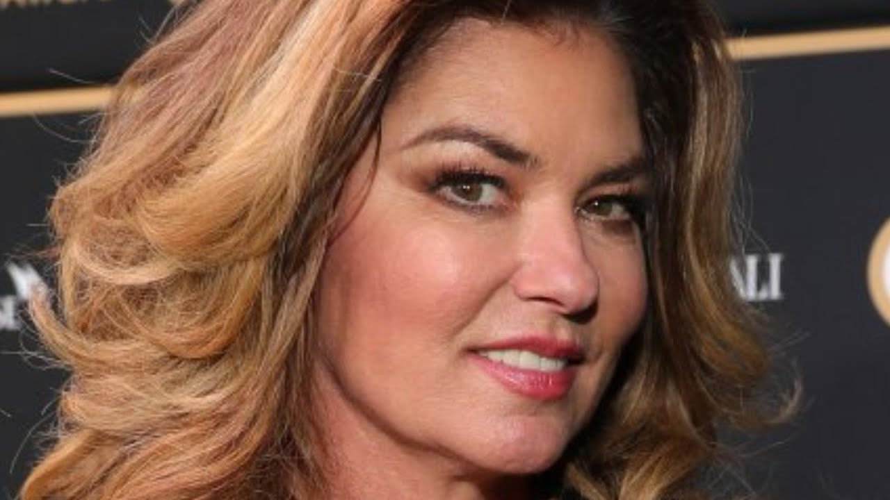 Why Shania Twain's Performance At The CMT Awards Raised Eyebrows