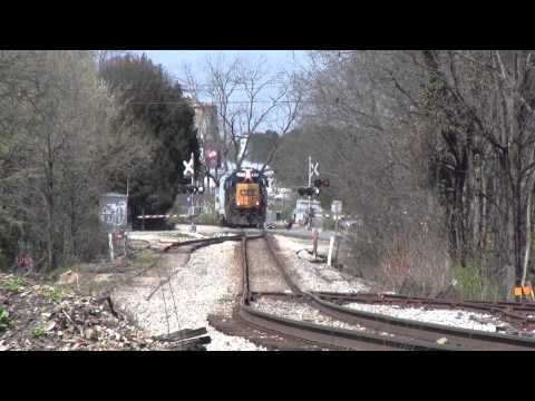 CSX GP40-2 with a RS5T