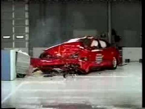 Crash Test 2003 - 2009 Saab 9-3 (Frontal Offset Test) IIHS