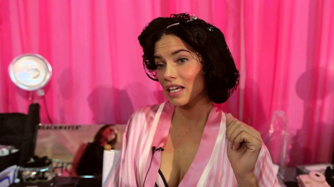 Adriana lima hairstyles 2014 - Adriana Lima Exclusive Interview Reveals She Wants In On The Next Tarantino Film Youtube