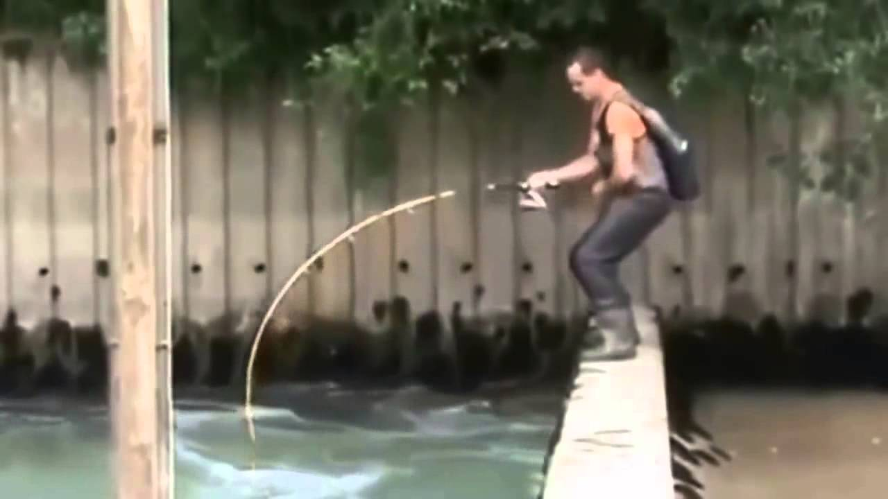 Fishing big fish funny videos youtube for Videos of people fishing