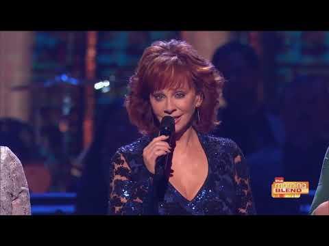 Country Icon Reba McEntire talks CMA Country Christmas 2018