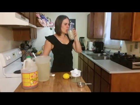 Jaslynn's Keto Kitchen Ep.21:  Good Girl Moonshine Lemonade