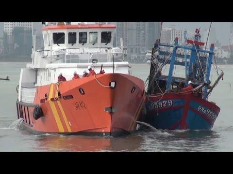 Tin Tức 24h: Cứu 6 ngư dân gặp nạn trên vùng biển Hoàng Sa