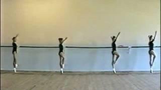 Урок класс.танца:девочки 2 кл.