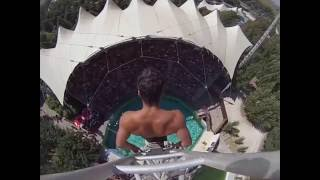 Craziest & Highest Swimming Pool Jump - Tuffo spettacolare da 25 metri