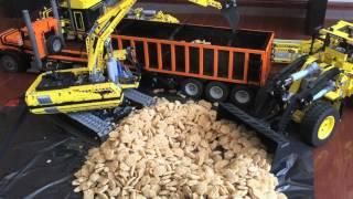 Lego peterbilt 389 construction crew