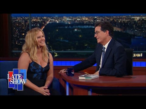 Amy Schumer Uses Stand-Up Tour To Stump For Hillary