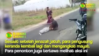 Video Mayat Jatuh dari Keranda saat dipikul menuju tempat penguburan