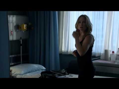 Arrow 2x19 - Laurel sees Sara's scars