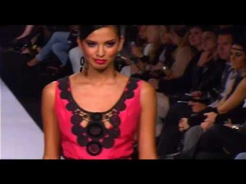 Lydia Lavin en el Mercedes-Benz Fashion Week Prima...