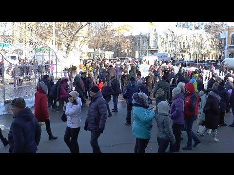 Телеканал Лтава: Сьогодні полтавську міську ялинку на Театральній площі закрили