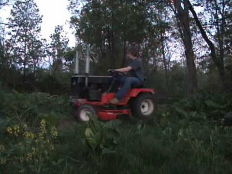 Cutting Grass With The Simplicity 7117.wmv
