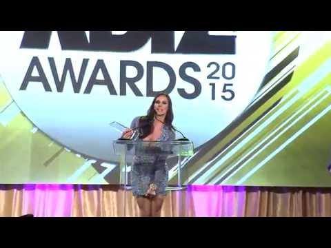 2015 XBIZ Awards - Kendra Lust Wins ''MILF Performer Of The Year' Award