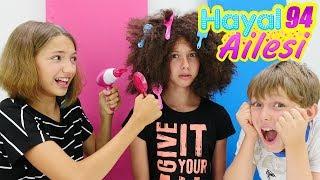 Hayal Ailesi Polen kuaförde Saç boyatma ve güzellik yapma oyunu