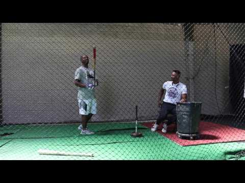 Quick Clip: Jimmy Rollins taking swings with his beaten up bat