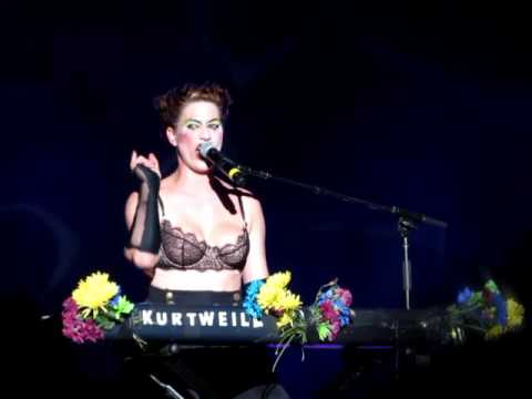 The Dresden Dolls - Mandy Goes to Med School live in Boston