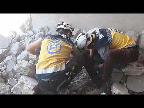 عشرات القتلى بتواصل الاشتباكات والقصف شمال غرب سوريا  - نشر قبل 3 ساعة
