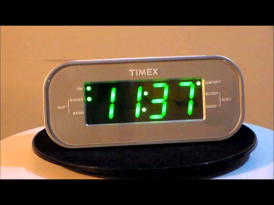 timex t231w2 large display alarm clock radio with dual alarms youtube. Black Bedroom Furniture Sets. Home Design Ideas