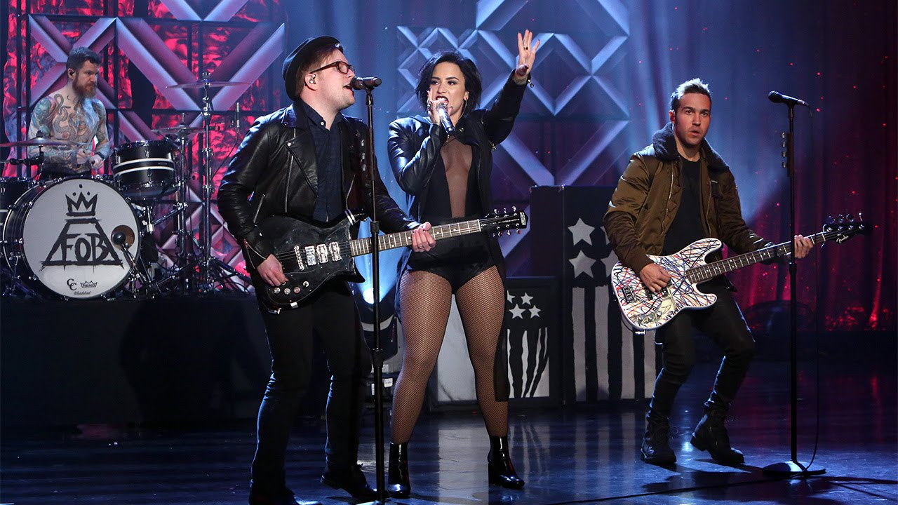 Demi lovato fall out boy perform irresistible youtube sciox Choice Image
