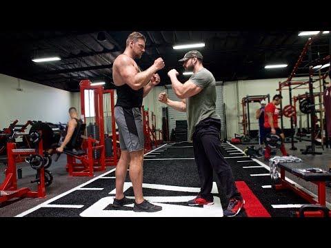 BRADLEY MARTYN VS THE BIGGEST MAN IN THE WORLD