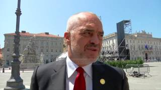 Firmoset marrëveshja historike në samitin e Triestes - Top Channel Albania - News - Lajme