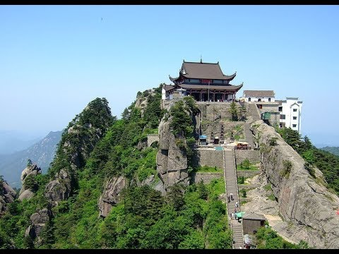 Exploring Buddhist College at Mount Jiuhua, sacred mountain of Chinese Buddhism