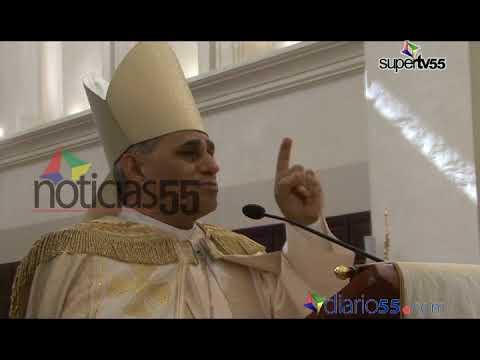 Arzobispo de Santiago dice de nada vale funcionarios lleven los símbolos patrios, si el portador no