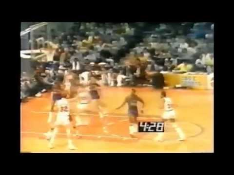 Bill Walton - Game 3 1977 NBA Finals (20 points, 18 rebounds, 9 assists)