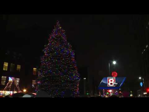 Weather doesn't put damper on Portland Christmas tree lighting