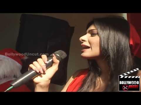 Sherlyn Chopra's Topless Video In Kamautra 3D ! thumbnail