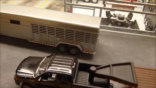 1/64 Custom Horse trailer & flatbed truck ( old project ) thumbnail