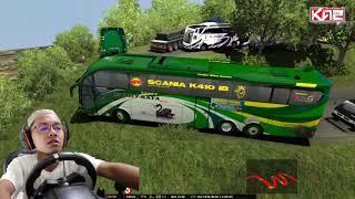 Bus Famili Raya Evolander melintasi Sitinjau Lauik