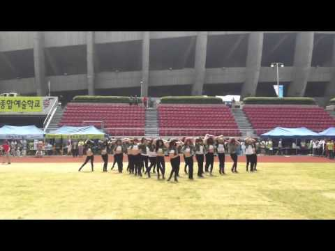 Seoul Arts College Student Perfect Group Dance!! [서울 예술 대학 학생 완벽한 그룹 댄스!]