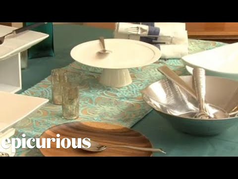 Party Ideas: Setting the Buffet Table