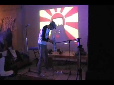 牧歌電子@ピコピコ神社(2011.1.1) ① ~Akemashi-Tee~
