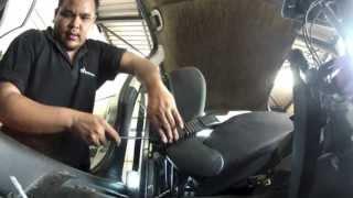 Opel Astra type G: Dépose prétensionneur de ceinture