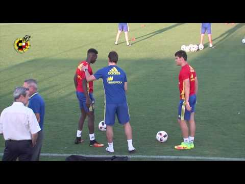 Julen Lopetegui acude al entrenamiento de los Sub-21