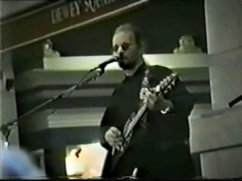 """Warren Zevon Covers Dylan's """"Knockin' On Heaven's Door"""""""