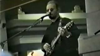 Warren Zevon covers Dylan's Knockin' on Heaven's Door