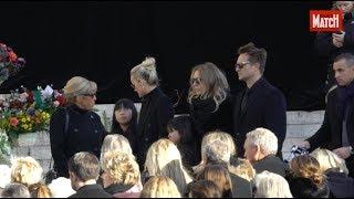 Johnny Hallyday : Laeticia, Joy, Jade, David, Laura, Sylvie, recueillis à la Madeleine