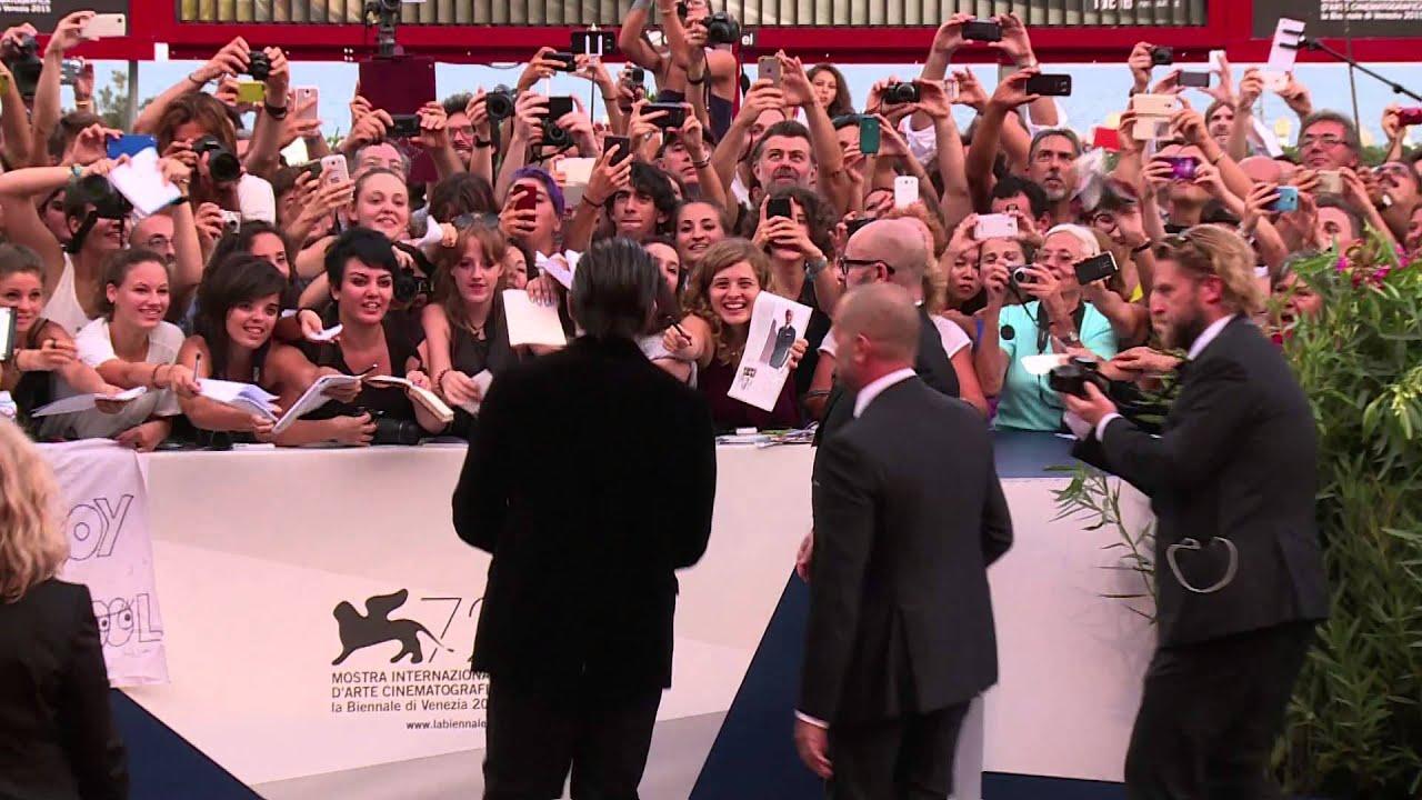 画像: 72nd Venice Film Festival - Red Carpet (September 2nd) youtu.be