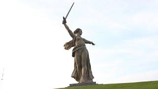 Скульптура Родина-мать зовёт в Волгограде  Россия(Статуя Родина Мать которая находится в Волгограде. Россия. Скульптура является центральной частью трипти..., 2016-02-03T13:52:25.000Z)